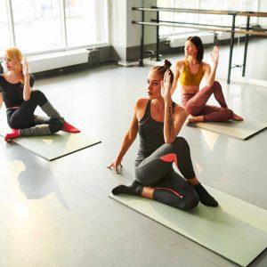 yoga-class-GHAJXES1.jpg